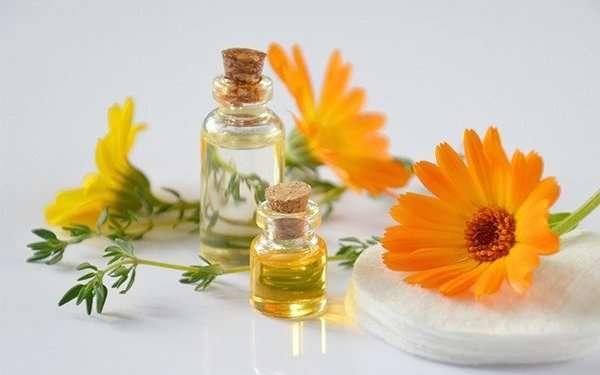 eritema-solare-rimedi naturali-calendula-prodotto naturale- darshanatura