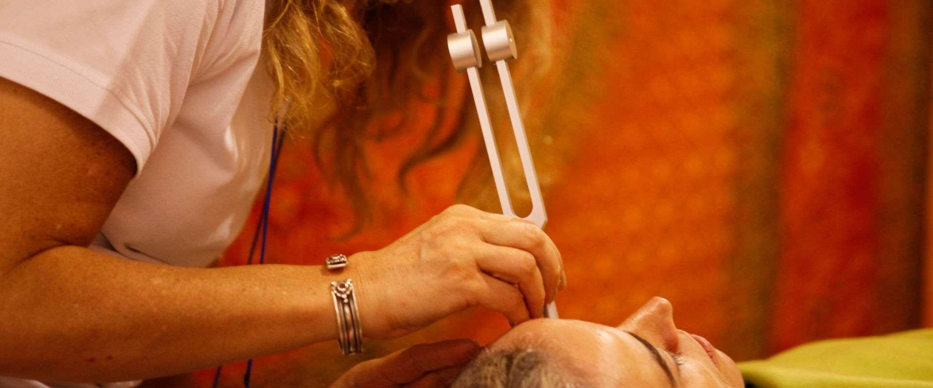 DarshaNatura Massaggio Diapason al Viso