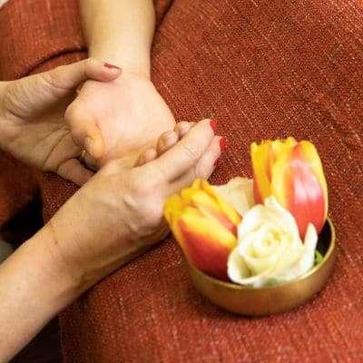 DarshaNatura - Massaggio energetico alla mano Xin Qi